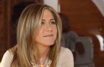 Jennifer Aniston wakes up to comfort and luxury on Emirates