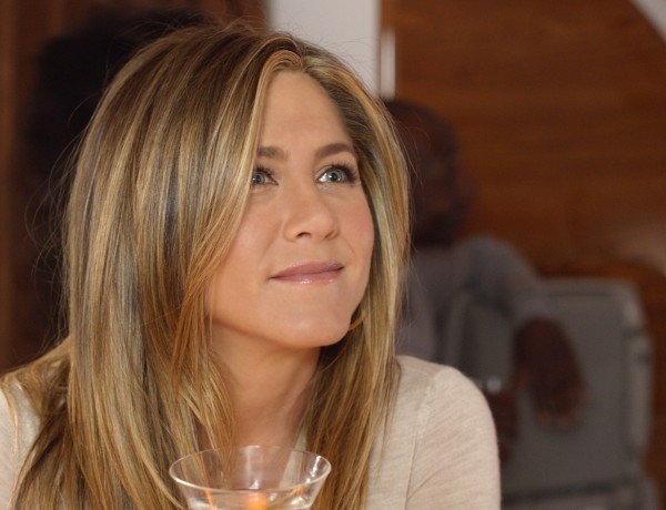 75 – Jennifer Aniston wakes up to comfort and luxury on Emirates