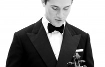 Violinist, Charlie Siem returns to the Manoel