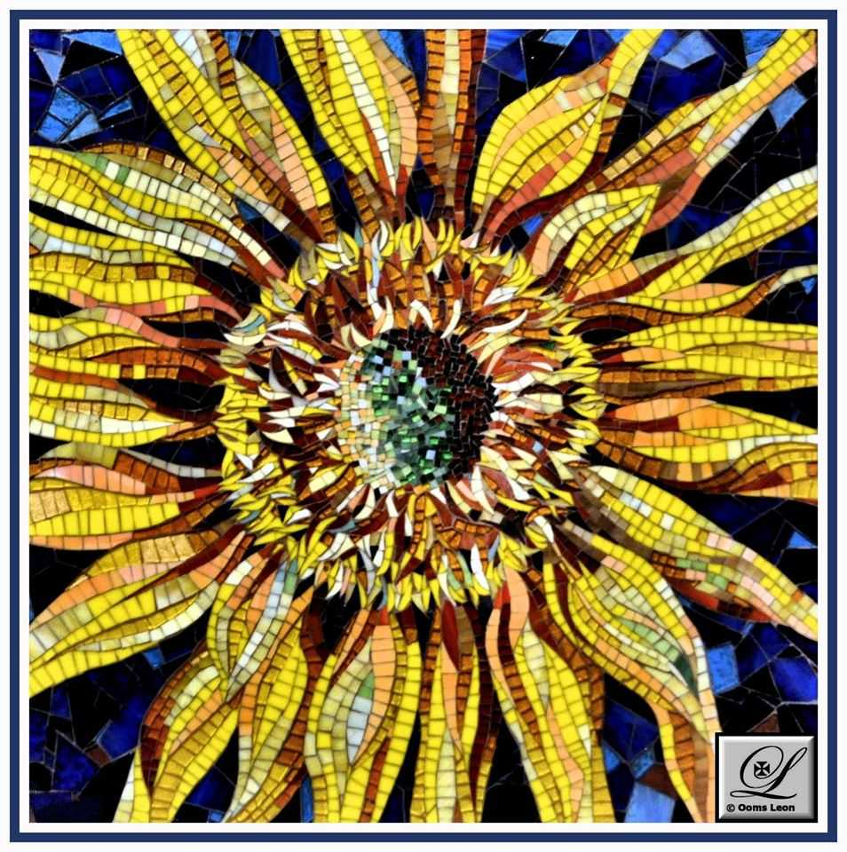 ray-aquilina-sunflower-glass-medium
