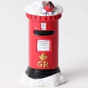 robin on postbox