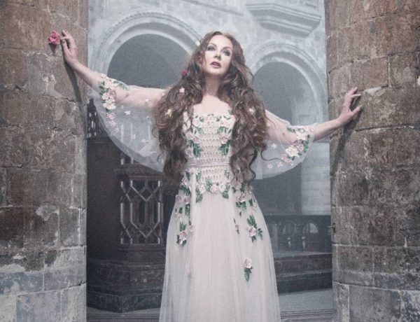 Sarah Brightman Still 3