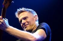 Bryan Adams tours again