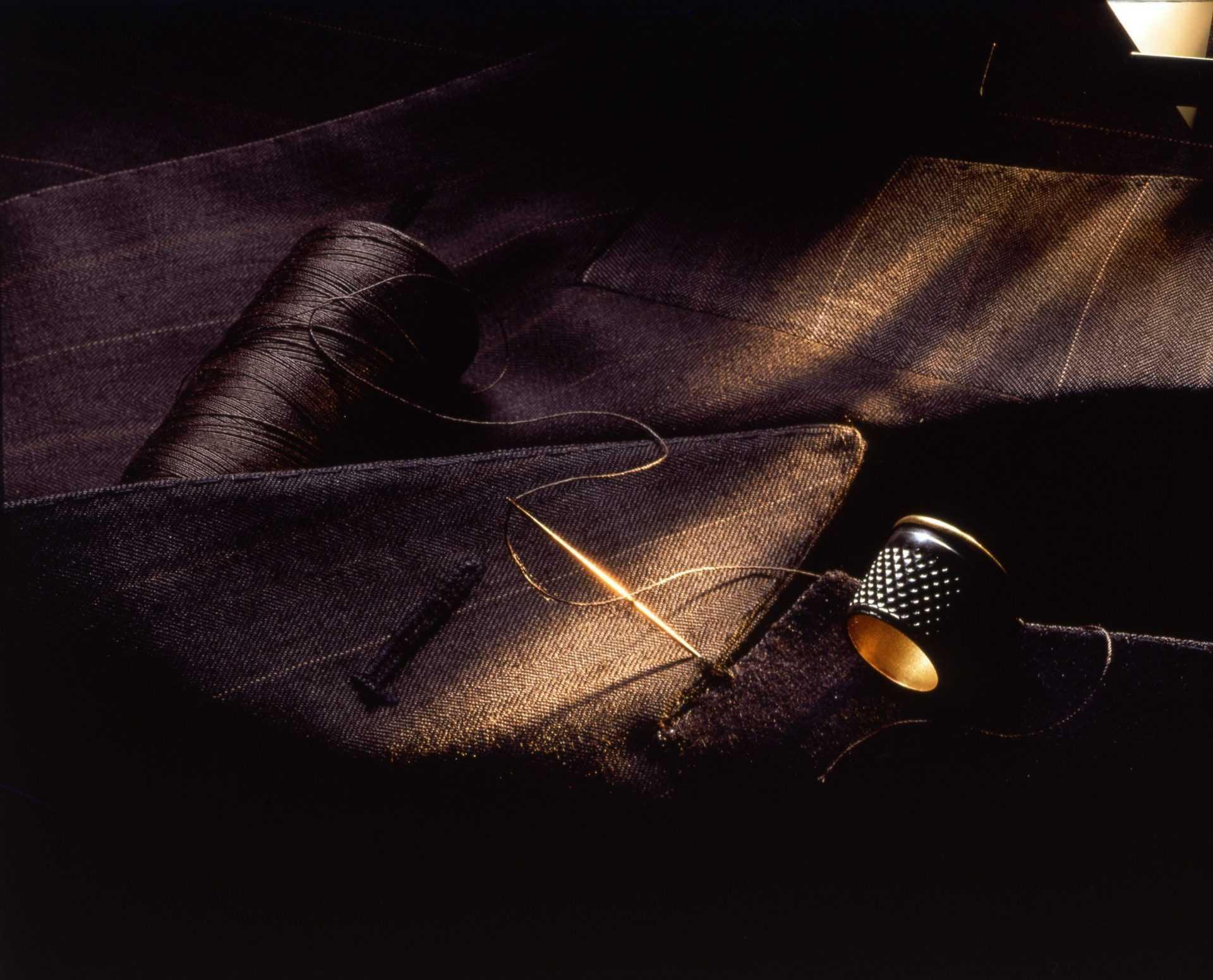 The Su Misura fabrics are professional woven within Lanificio Zegna 99ff54296a2