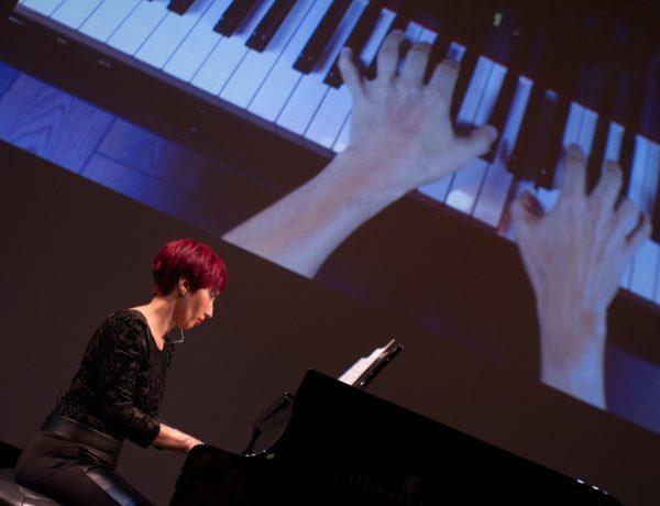 MMD 02 – pianist Tricia Dawn Williams – photo by Stephen Buhagiar-min
